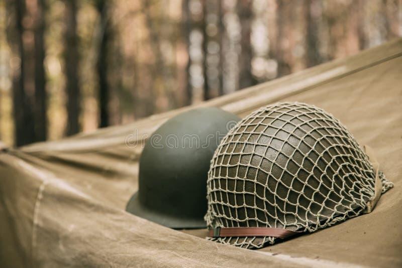 美国陆军二战的步兵战士金属盔甲  库存图片