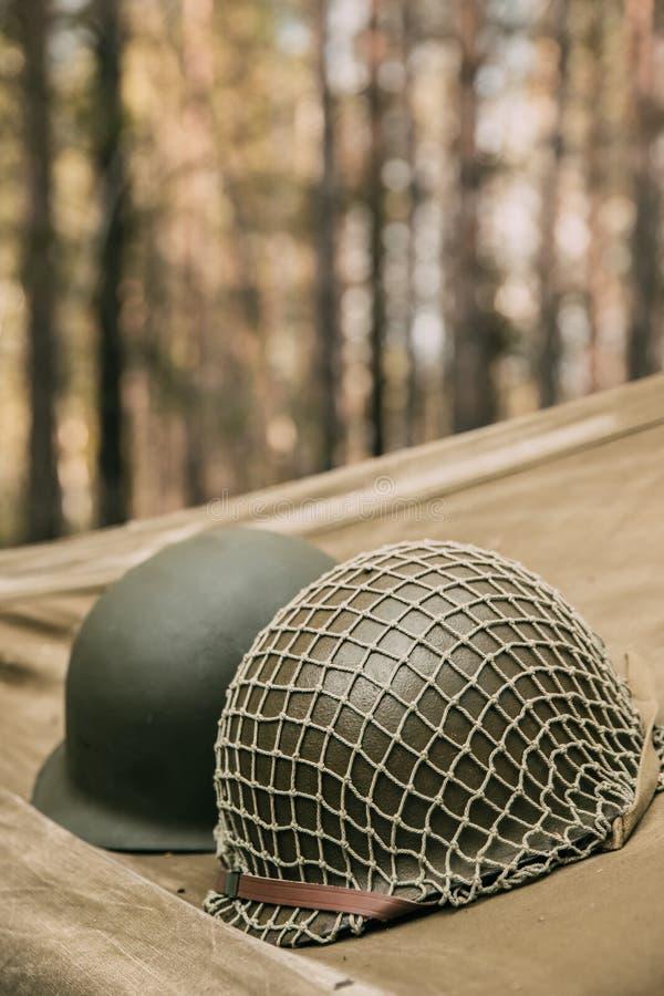 美国陆军二战的步兵战士金属盔甲  库存照片