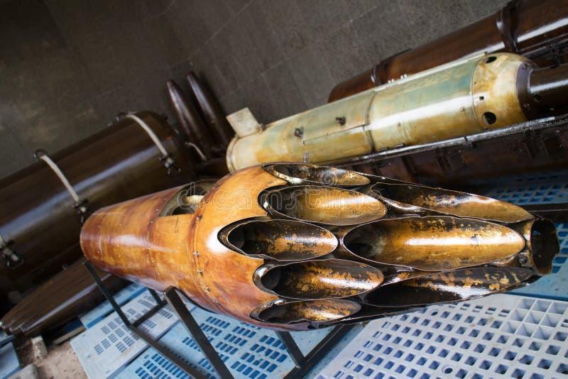 美国陆军使用的火箭发射器管有角的看法  免版税图库摄影