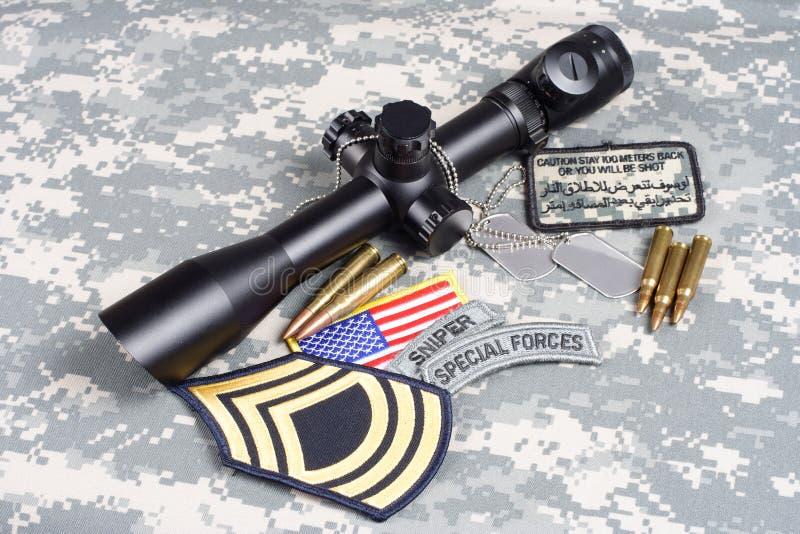 美国陆军背景有范围和权威的概念狙击手 库存图片