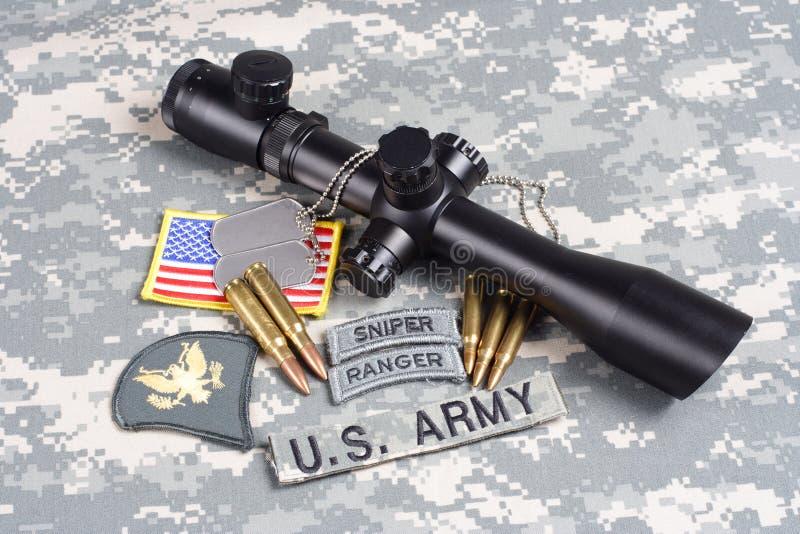 美国陆军背景有范围和权威的概念狙击手 免版税库存图片