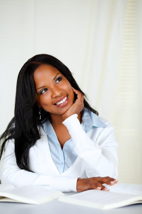 美国黑人的黑色学习的妇女年轻人 库存图片