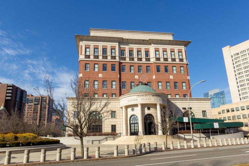 美国,纽约,白原市 — 2月 2020年2月23日:《汉人》的景观 查尔斯L 小布里昂 联邦大楼和 库存照片