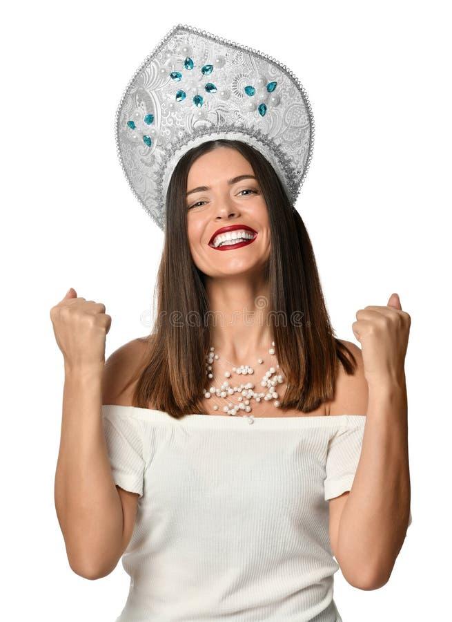 美女愉快和激动的表达的赢得的姿态 成功和庆祝胜利,胜利,室外 库存图片