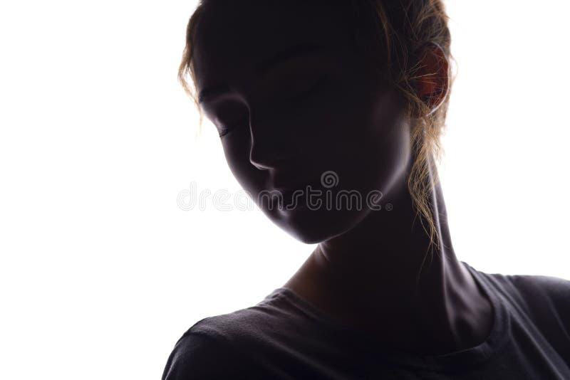 美女,在白色被隔绝的背景,与一个开放脖子的浪漫女性画象的妇女面孔图剪影, 免版税库存图片