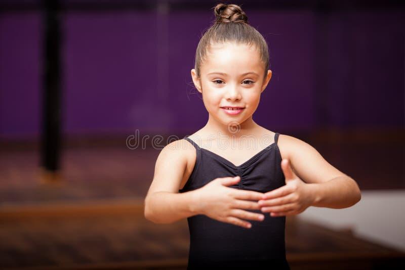 美好一点芭蕾舞女演员微笑 免版税库存图片