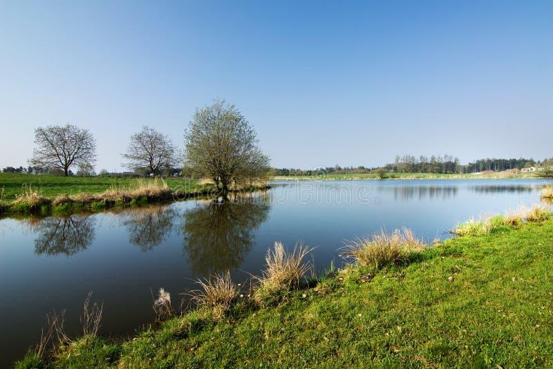 图片 包括有 天空, 地产, 横向, 池塘, 本质图片