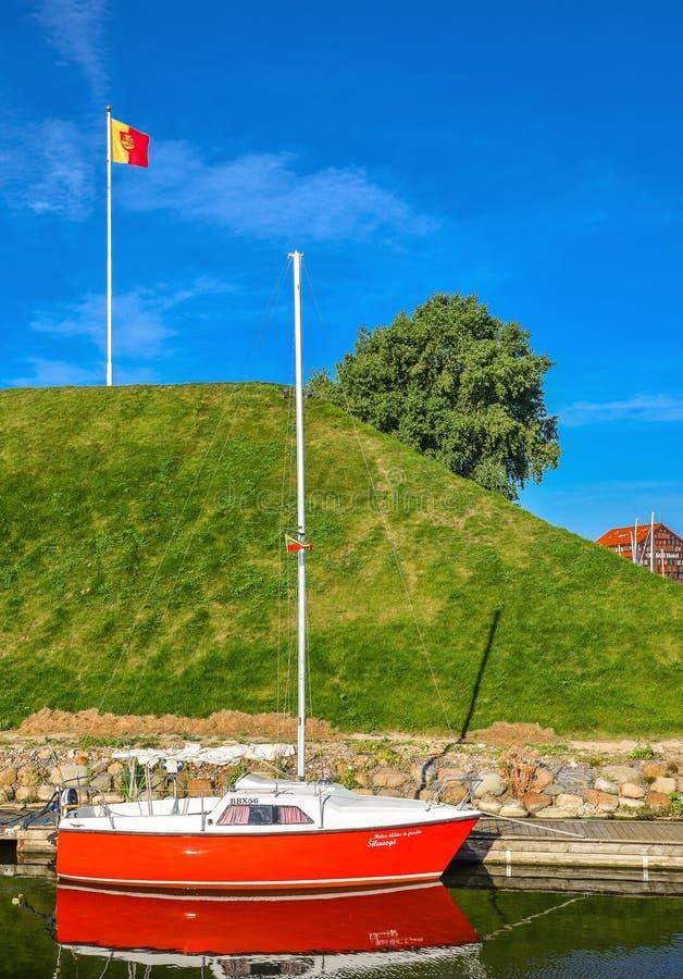 美好的体育乘快艇,旅游轮渡和船在丹麦人河,克莱佩达,立陶宛 库存图片