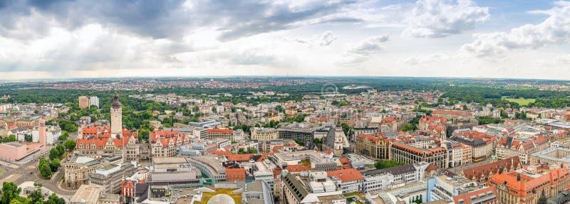 美好的全景汉堡,德国日落鸟瞰图  免版税库存照片