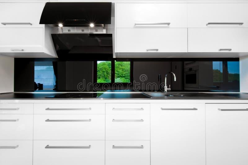 美好的前厨房白色 免版税库存照片