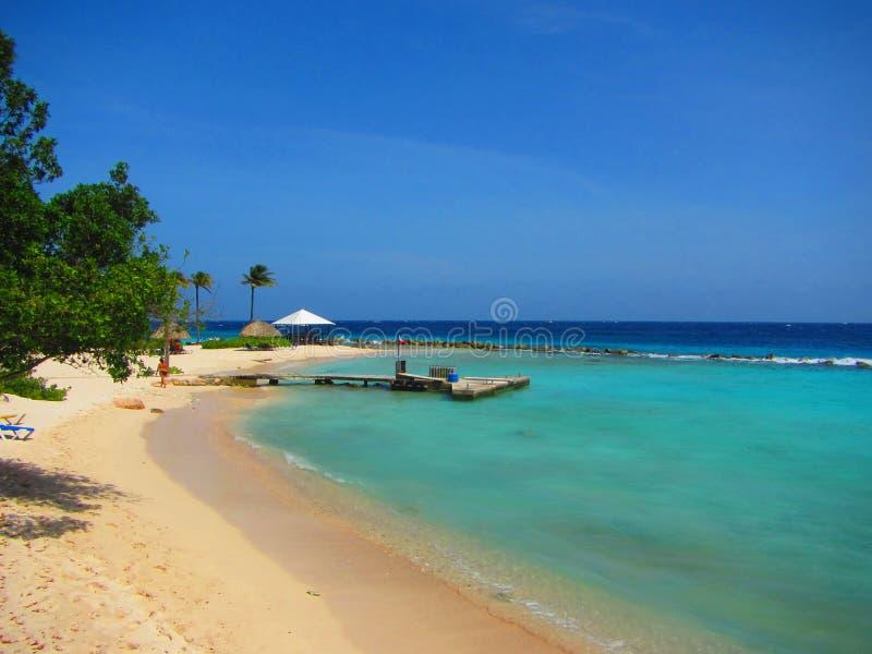 美好的加勒比海滩胜地库拉索岛 免版税库存图片