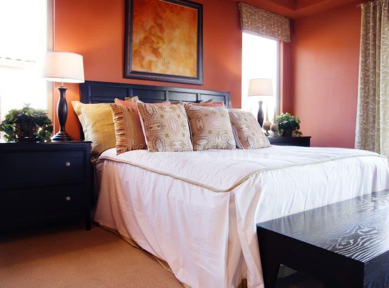 美好的卧室内部 免版税库存照片