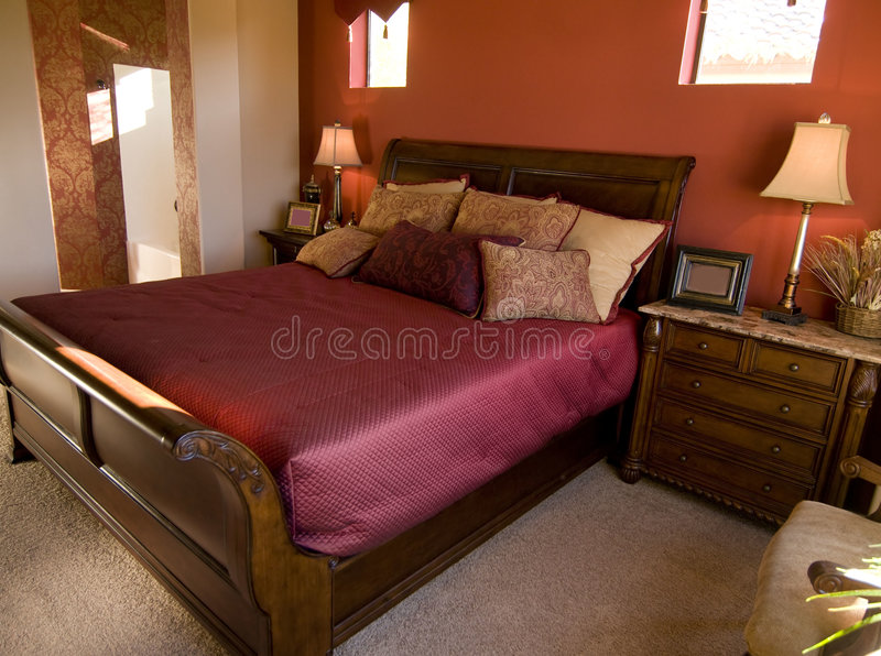 美好的卧室设计内部 库存图片