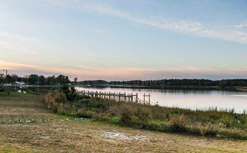 美好的印地安河江边在农村特拉华 免版税库存照片