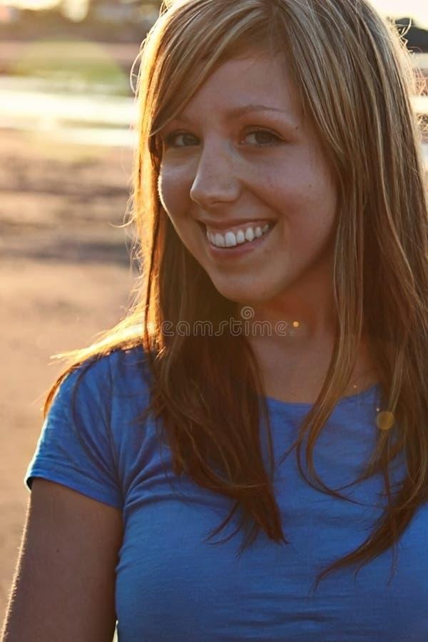 美好的女孩微笑 图库摄影