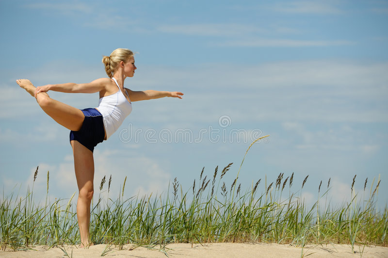美好的女性锻炼 免版税库存照片