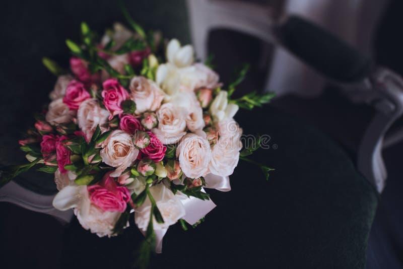 美好的婚礼新娘花束 库存图片