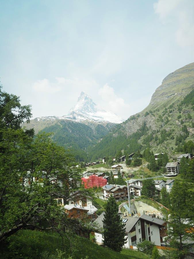 美好的山风景有马塔角形式zermatt瑞士的看法 库存照片