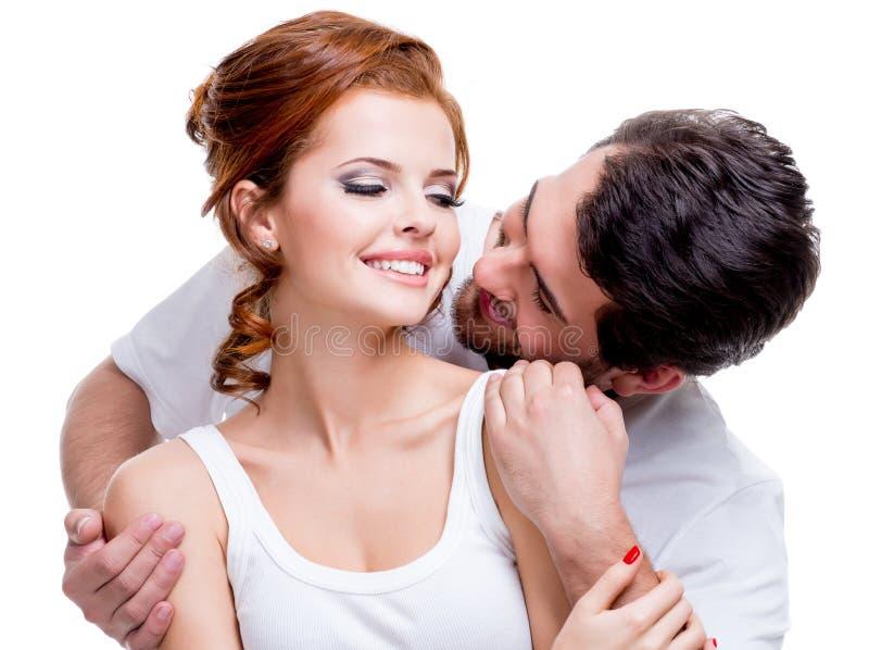 美好的微笑的夫妇特写镜头画象。 免版税库存照片