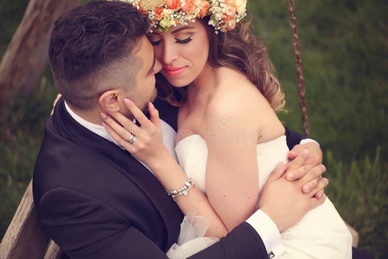 美好的新娘夫妇 库存图片
