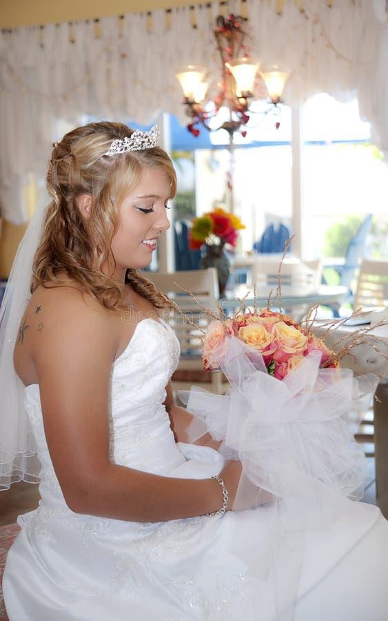 美好的新娘配置文件 免版税库存图片