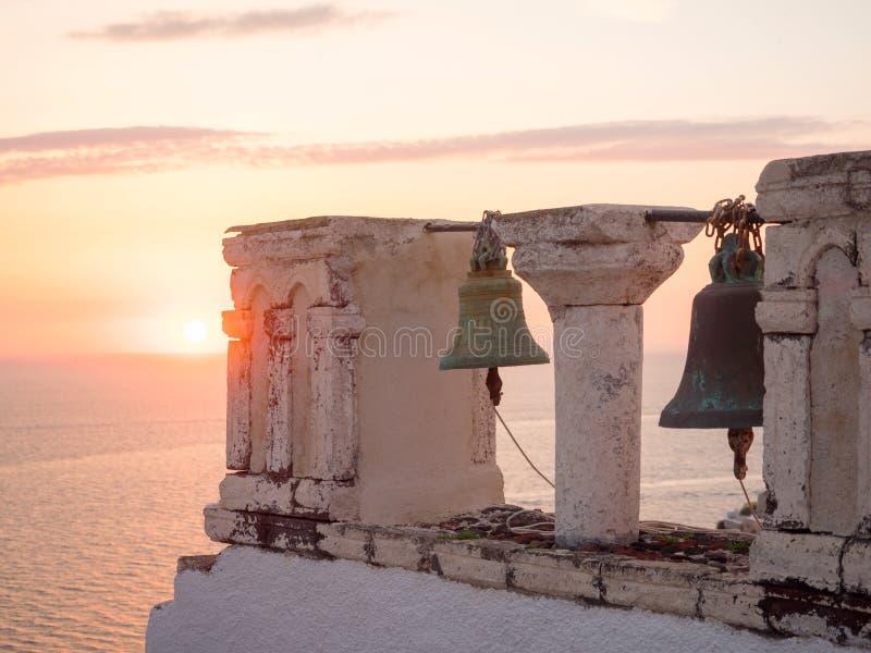 美好的日落在圣托里尼海岛 免版税库存图片
