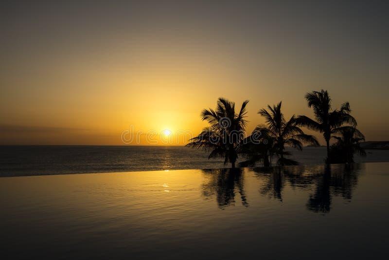 美好的日落在西班牙,大加那利岛 免版税库存照片