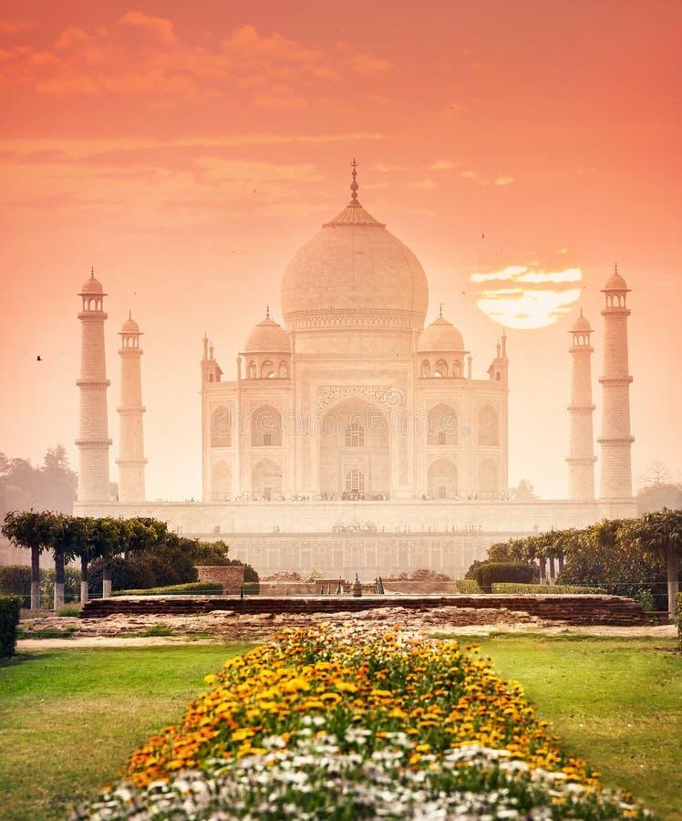 美好的日落的泰姬陵在印度 图库摄影