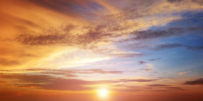 美好的明亮的日落 库存图片