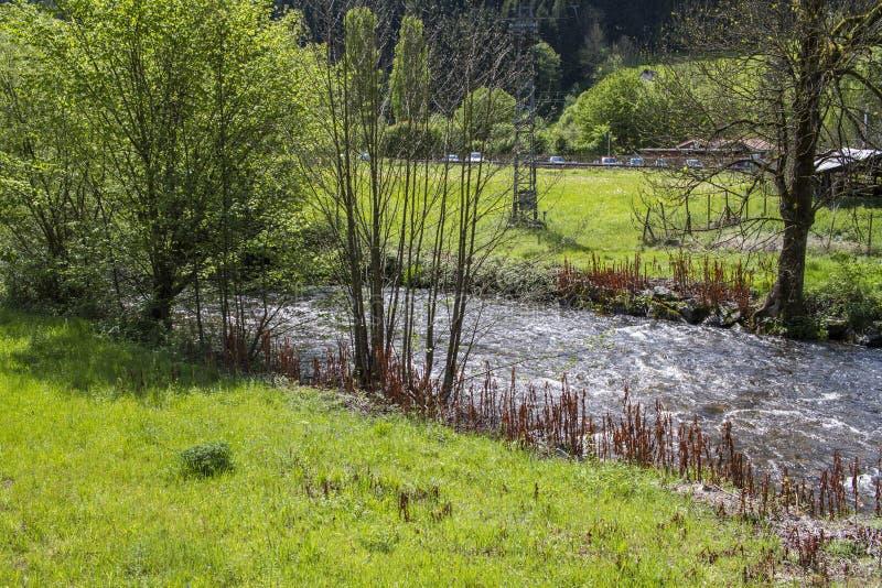 美好的横向 小村庄在法国 库存图片