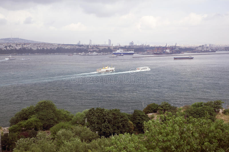 美好的海视图在伊斯坦布尔 免版税库存照片