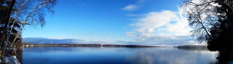 美好的湖mn全景 库存图片