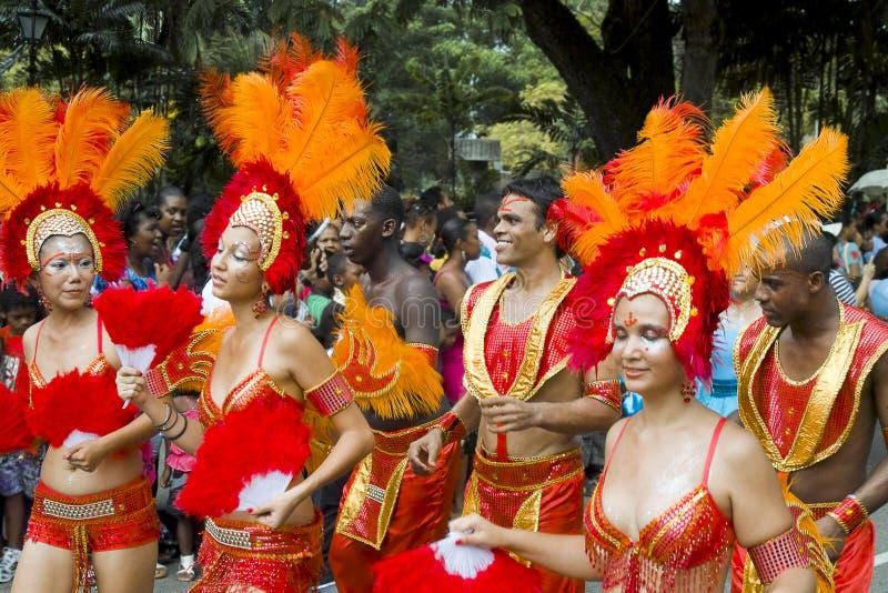 美好的狂欢节舞蹈演员桑巴 免版税库存图片