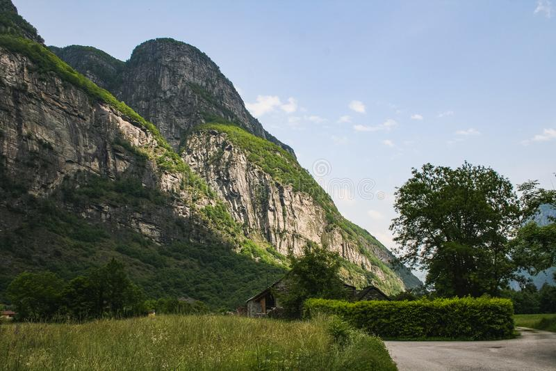 美好的瓦尔maggia自然风景瑞士 免版税库存照片
