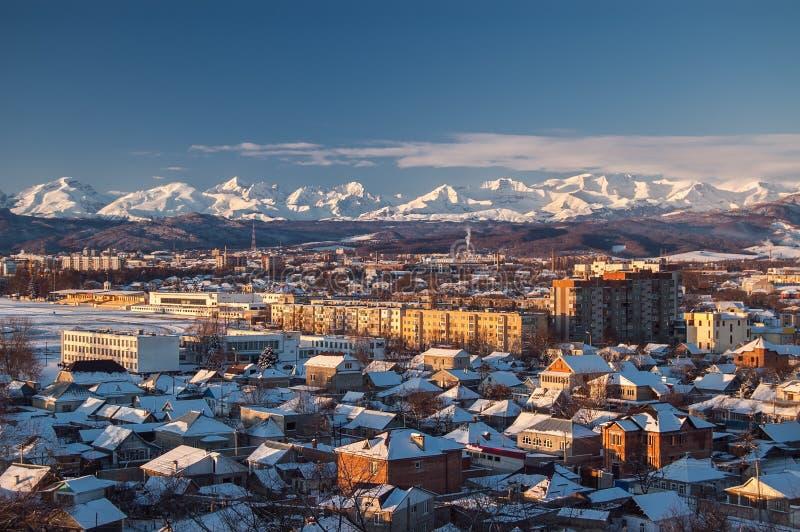 美好的白种人山景(大高加索山脉范围) 北高加索,俄罗斯 免版税图库摄影