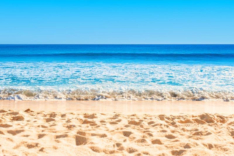 美好的空的海和海滩背景 r r 免版税图库摄影