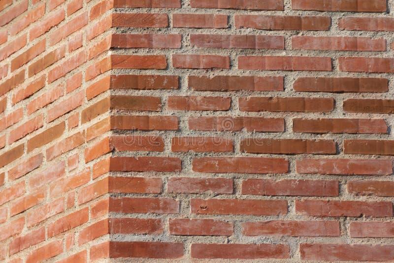 美好的红砖墙壁角落 免版税图库摄影
