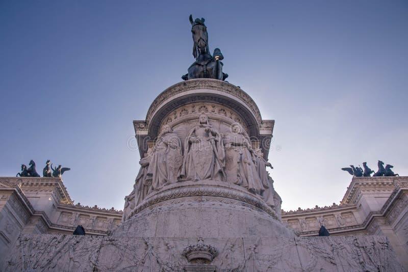美好的罗马式建筑细节 库存照片