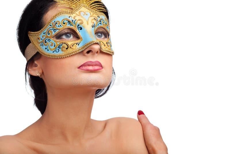 美好的蓝色狂欢节屏蔽佩带的妇女 免版税库存照片