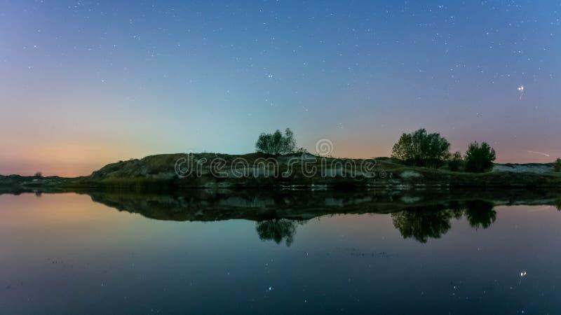 美好的风景、星和天空 库存照片