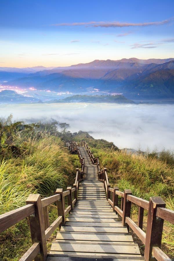 美好的风景想象与好的山太阳颜色的 免版税库存图片