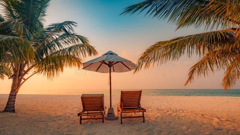 异乎寻常的热带海滩c 库存照片 - 图片 包括有 休息室, 巴厘岛