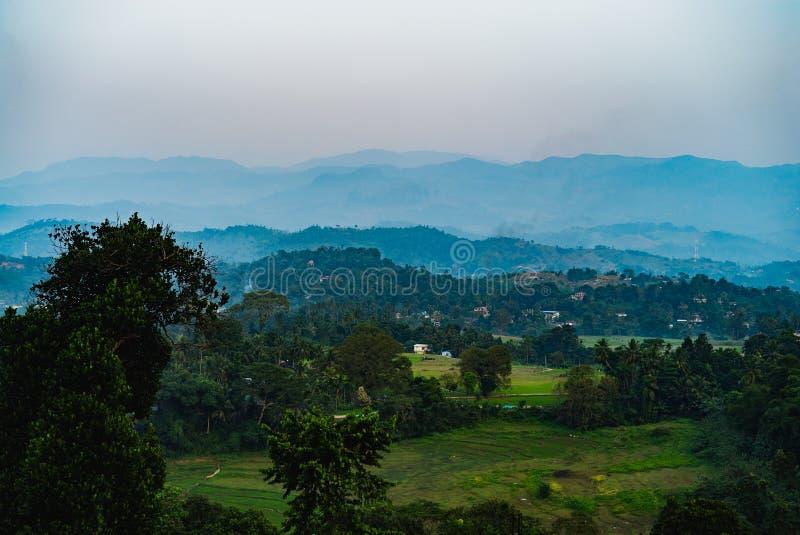 美好的stclairs瀑布风景在斯里兰卡 免版税图库摄影