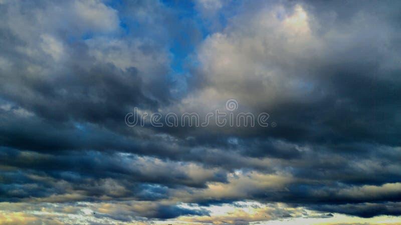 美妙地舒展的补凑Cloudscape 图库摄影