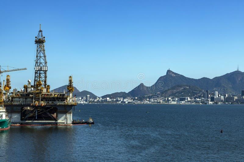 美妙的市、里约热内卢和山基督救世主或Corcovado在背景中,巴西 库存图片