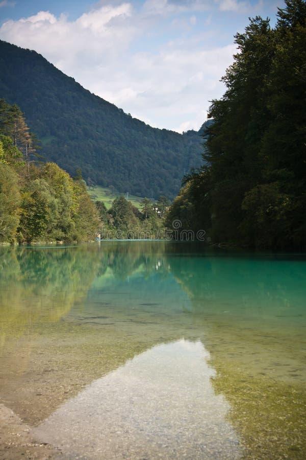 美妙的landcsape在有纯净的河soca的, tolmin,斯洛文尼亚朱利安阿尔卑斯 图库摄影