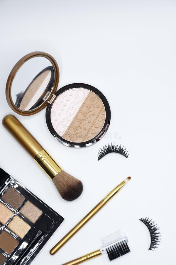 美容品-刷子,力量,眼影膏,睫毛 库存照片