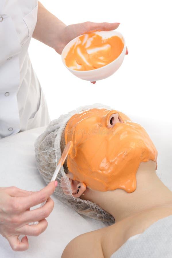 美容院,藻酸盐粉末脸面护理面具 免版税库存图片