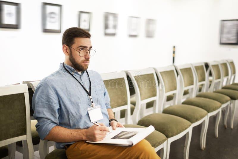 美术馆的学生 免版税库存照片