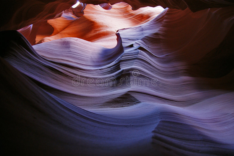 羚羊峡谷颜色gradiant红色 库存照片